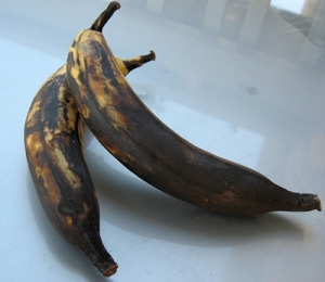 For fried sweet plantains (Maduros), your plantains should look kinda like this